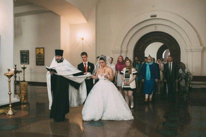 Навіть зірки згасають перед цими нареченими