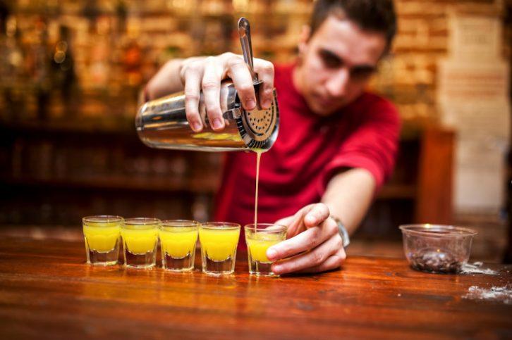 7 стереотипів про роботу бармена