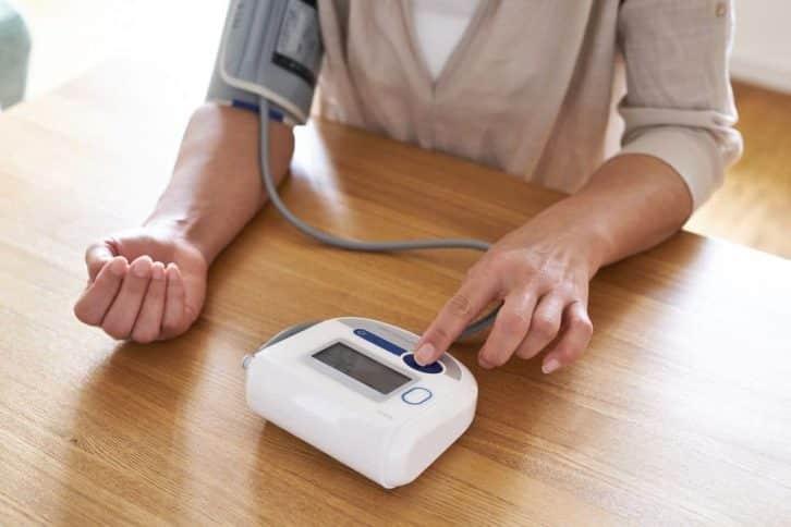А ви правильно вимірюєте тиск? 90% людей припускаються помилки, яка спотворює результат!