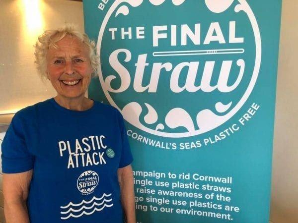 70-річна жінка самотужки вичистила 52 пляжі, «щоб врятувати світ для своїх онуків»