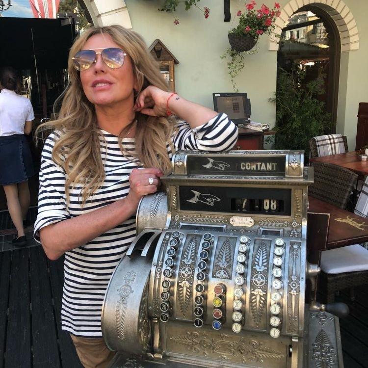 38-річна Юлія Началова похвалилася розкішною обручкою