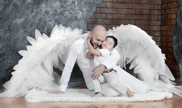 Після народження 3 дочок, чоловік таки вмовив мене «завести сина», ух як він чудив весь цей час ...