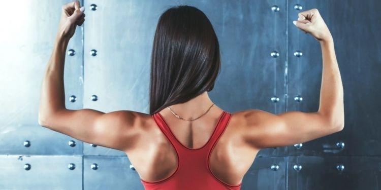 17 вправ, які допоможуть позбутися від болю в шиї і плечах