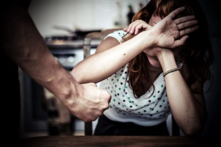 6 типів домашніх тиранів, від яких жінці краще триматися подалі