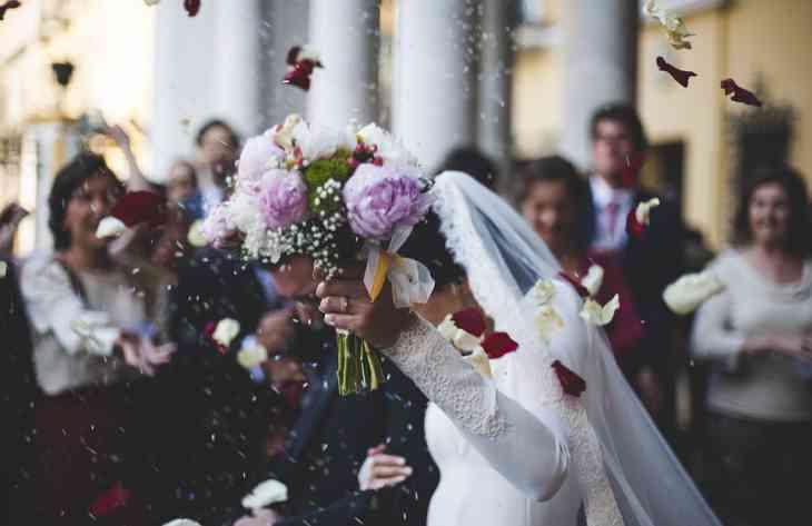 Фахівці розповіли, скільки потрібно дарувати грошей на весілля