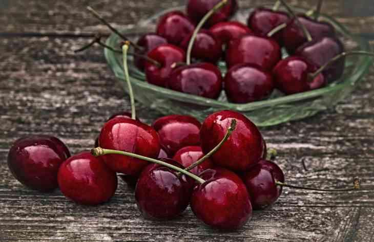 Медики розповіли, в чому полягає користь вишневого варення