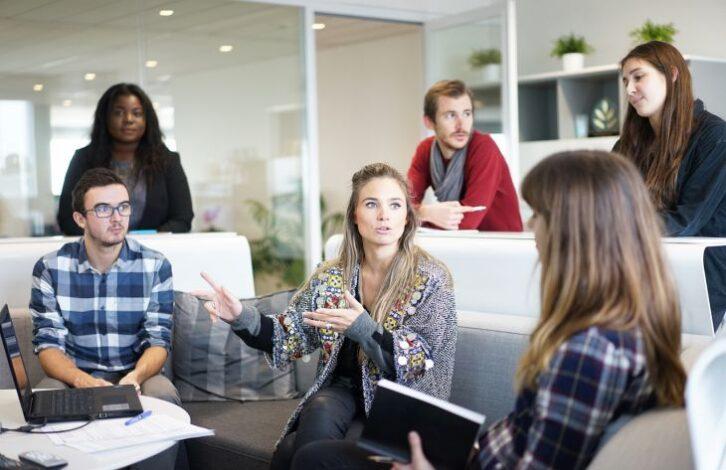 7 признаков того, что коллеги втайне вас ненавидят