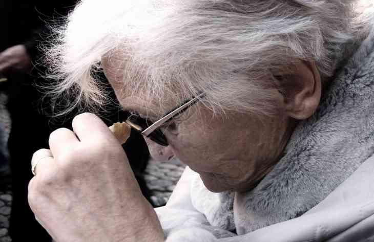 Недолік інтимної близькості може привести до хвороби Альцгеймера