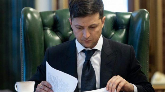 Володимир Зеленський скасував шкільну форму
