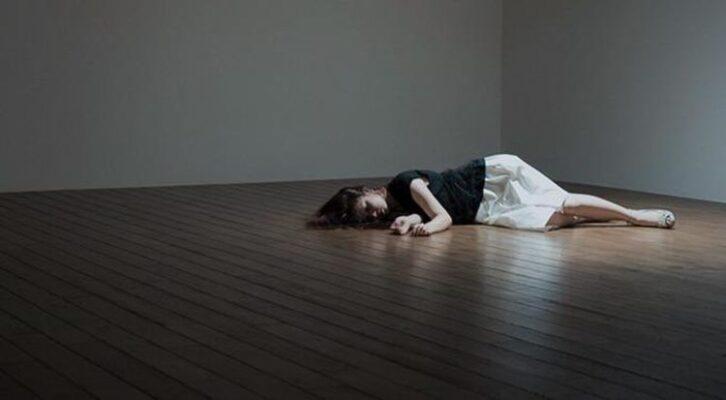 У США дівчина 10 разів «пережила» смерть, щоб позбутися від депресії