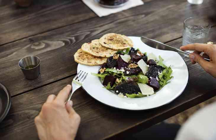 Дієтологи розвіяли найпопулярніші міфи про їжу