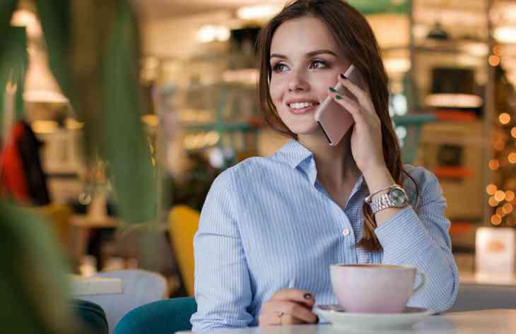 Фахівці склали рейтинг недорогих смартфонів з бездротовою зарядкою