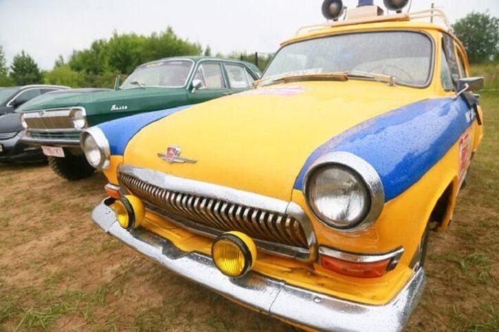 Більше 500 рідкісних автомобілів представлять на фестивалі SunDay під Гродно
