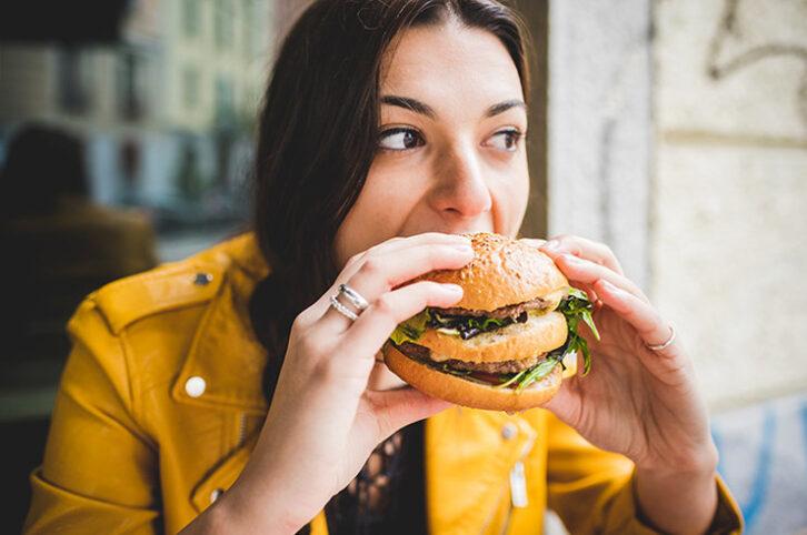 Причини, через які постійно хочеться їсти