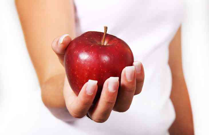 Топ-5 причин їсти яблука