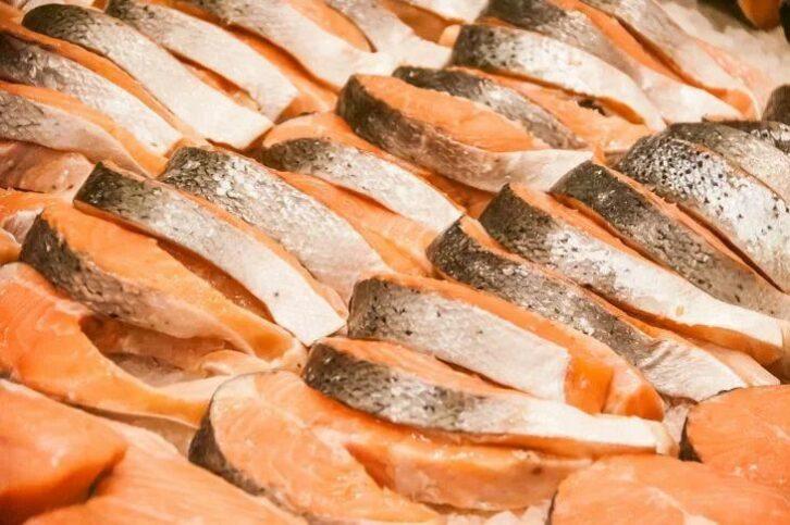 Три порції риби в тиждень знижують ризик раку кишечника