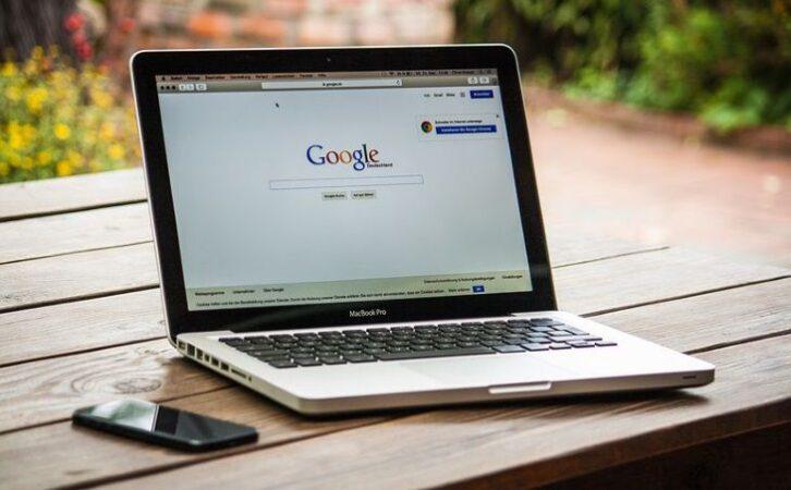 Google будує нову соцмережу Shoelace