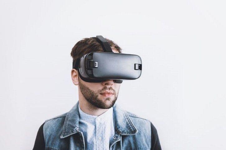 Розроблено рукавичку, що дозволяє відчувати об'єкти у віртуальній реальності